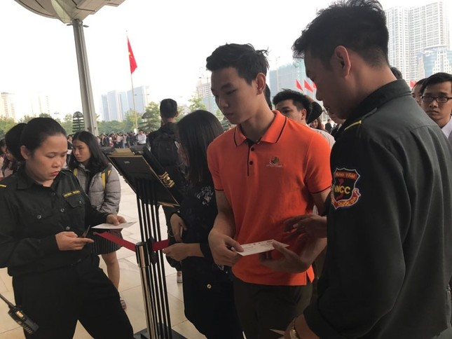 Tỷ phú Jack Ma chúc giới trẻ Việt Nam luôn tiến về phía trước ảnh 14