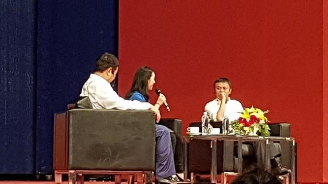 Tỷ phú Jack Ma chúc giới trẻ Việt Nam luôn tiến về phía trước ảnh 21