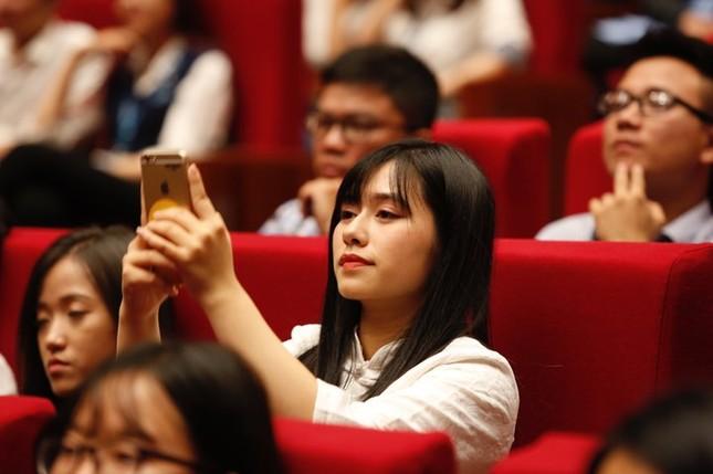 Tỷ phú Jack Ma chúc giới trẻ Việt Nam luôn tiến về phía trước ảnh 16