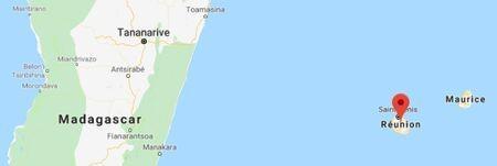 Khi ở Đảo La Réunion, Vua Duy Tân được đề nghị bỏ trốn mấy lần