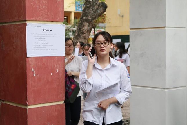 Thí sinh hào hứng làm thủ tục nhập thi THPT quốc gia 2019 ảnh 29