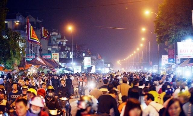 Chợ nào ở Nam Định cả năm chỉ họp một lần?