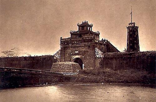 Sông Tô thực chất là cái gì của kinh thành Thăng Long?