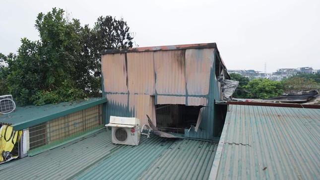 Ngôi nhà trong ngõ ở Hà Nội cháy lớn, 3 bà cháu tử vong ảnh 1