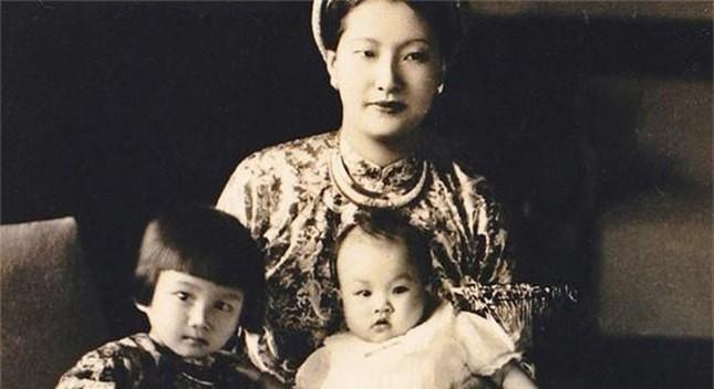 Nam Phương hoàng hậu có với vua Bảo Đại mấy người con?