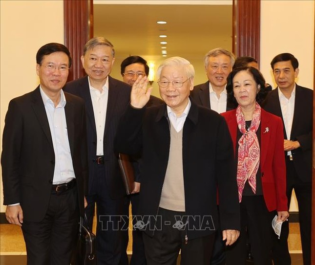 Tổng Bí thư, Chủ tịch nước chủ trì phiên họp đầu tiên của Bộ Chính trị, Ban Bí thư khóa XIII ảnh 1