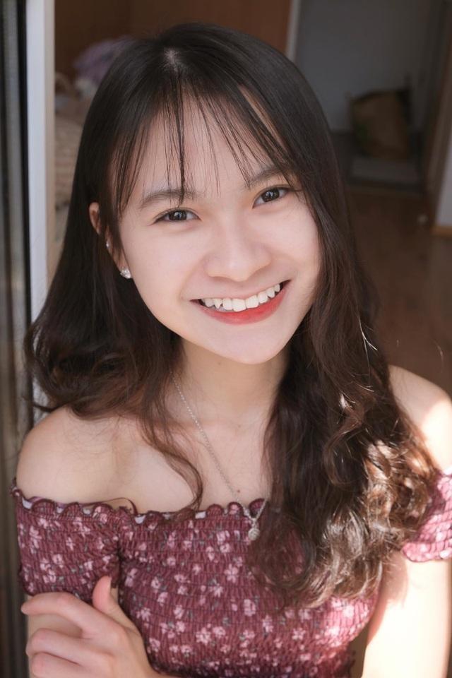 Nữ sinh Lạng Sơn 'đẹp không tì vết' đăng quang Hoa khôi du học sinh Việt tại Hungary ảnh 2