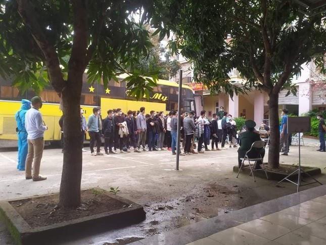 Phạt hơn 200 triệu đồng 53 người Trung Quốc nhập cảnh trái phép vào Việt Nam ảnh 1