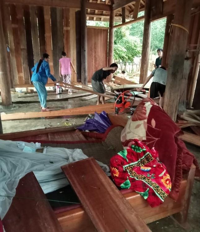 Lốc xoáy kèm mưa đá gây thiệt hại nặng ở huyện biên giới Nghệ An ảnh 2