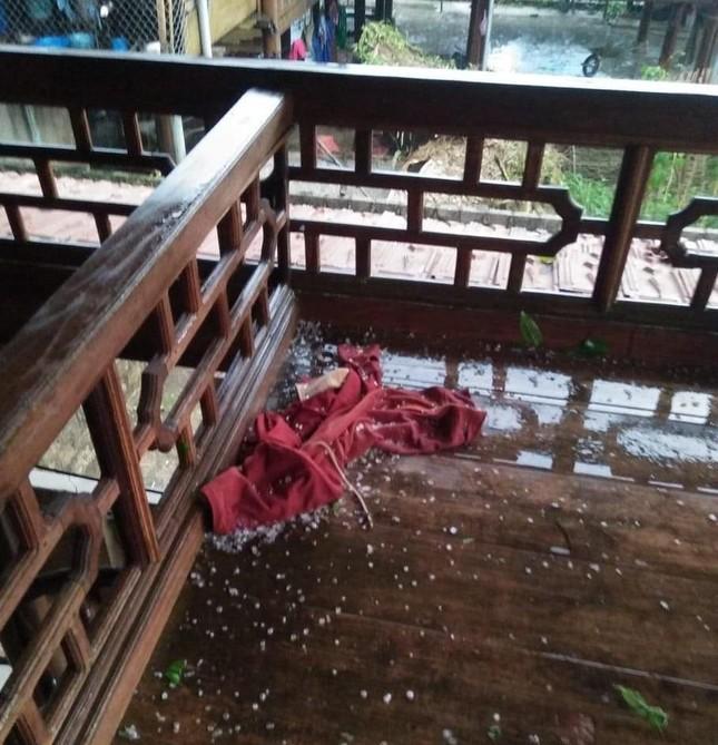 Lốc xoáy kèm mưa đá gây thiệt hại nặng ở huyện biên giới Nghệ An ảnh 3