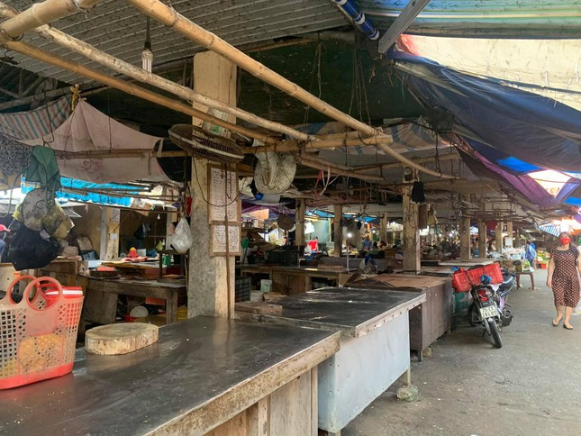 Dịch chồng dịch: Nhiều quán phở, ki ốt kinh doanh thịt bò, lợn ở Hà Tĩnh phải đóng cửa ảnh 3