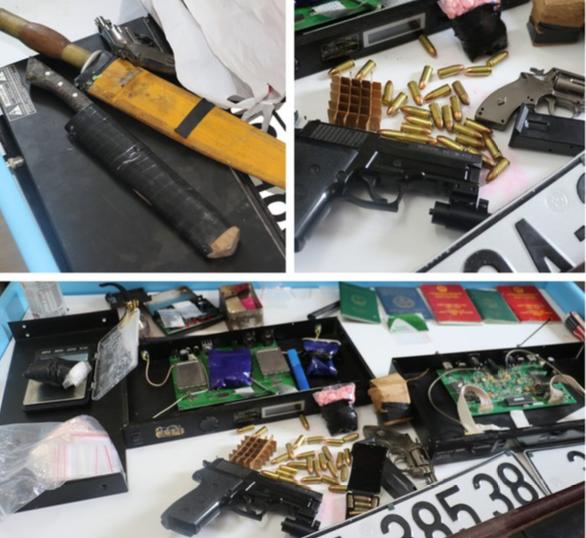 Người đàn ông thủ súng đạn tại nơi tàng trữ gần 7.000 viên hồng phiến ảnh 1