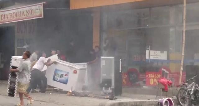 Chập điện máy nổ, cửa hàng điện tử bốc cháy ngùn ngụt ảnh 6