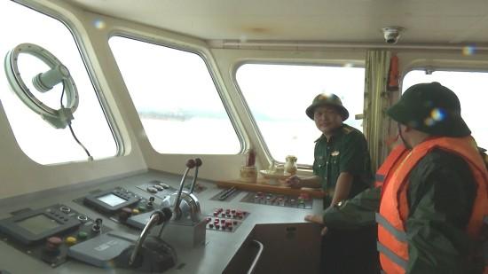 Lai dắt tàu cá bị nạn giữa ảnh hưởng của siêu bão Mangkhut ảnh 1