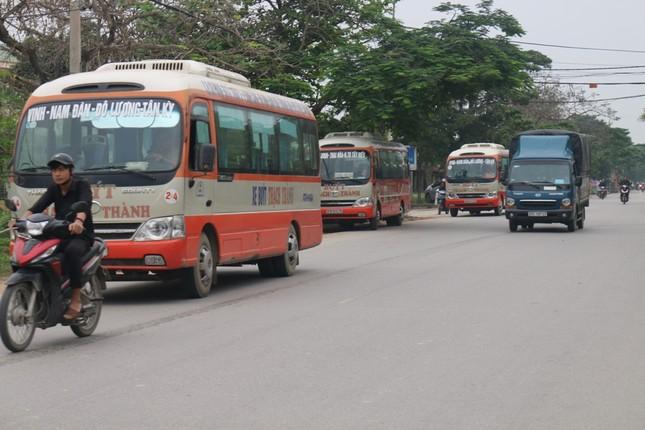 Bát nháo xe buýt tại thành phố Vinh ảnh 2