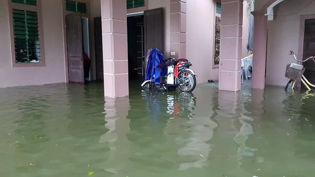Thành Vinh 'thất thủ' sau trận mưa xối xả ảnh 10