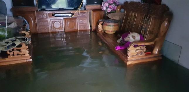 Thành Vinh 'thất thủ' sau trận mưa xối xả ảnh 11