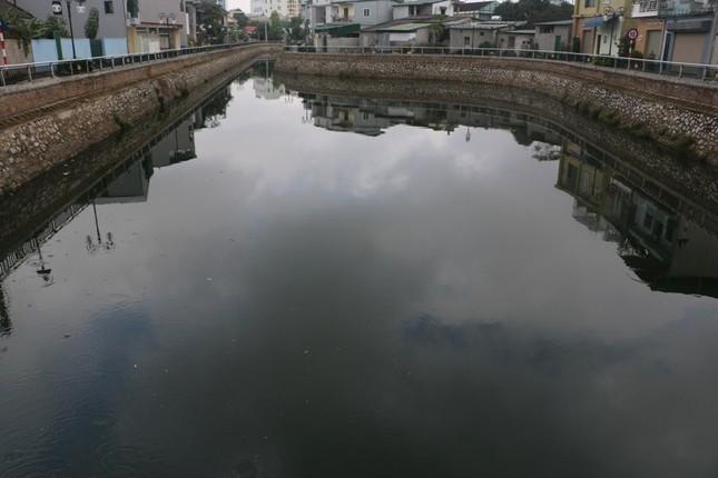 Nạo vét, xử lý ô nhiễm tại di tích Hào Thành cổ Vinh ảnh 3
