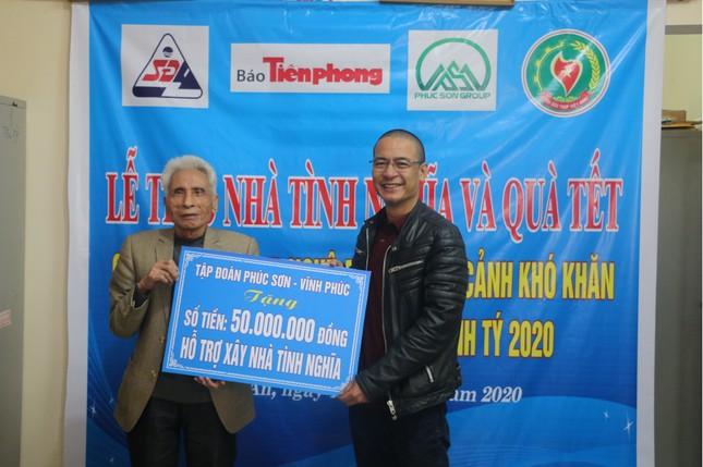 Báo Tiền Phong và nhà tài trợ trao 100 triệu đồng cho cựu TNXP Nghệ An ảnh 1