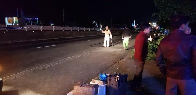 Truy tìm tài xế lái ô tô gây tai nạn chết người vào đêm mồng 2 Tết ảnh 1
