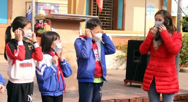 Học sinh Nghệ An trở lại trường sau 10 ngày được nghỉ phòng Covid-19 ảnh 1