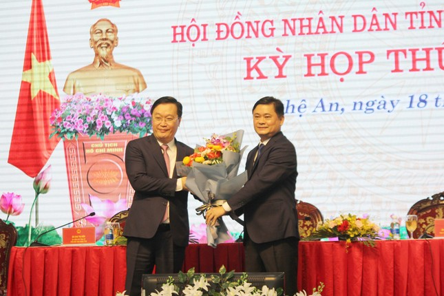 Ông Nguyễn Đức Trung làm Chủ tịch UBND tỉnh Nghệ An ảnh 1