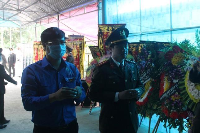 Trung ương Đoàn tặng huy hiệu Tuổi trẻ dũng cảm cho thượng úy hy sinh khi làm nhiệm vụ ảnh 1