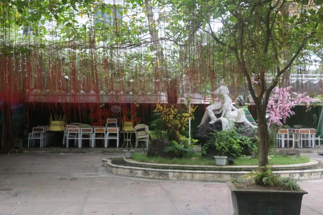 Nghệ An: Bất chấp 'lệnh cấm', nhiều quán cà phê mở cửa đón khách ảnh 4