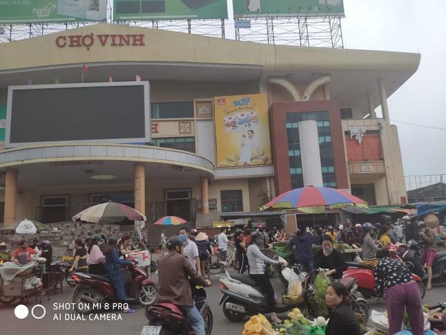 Chống dịch COVID-19: Nghệ An xét nghiệm gần 1.000 người từng điều trị tại BV Bạch Mai ảnh 7