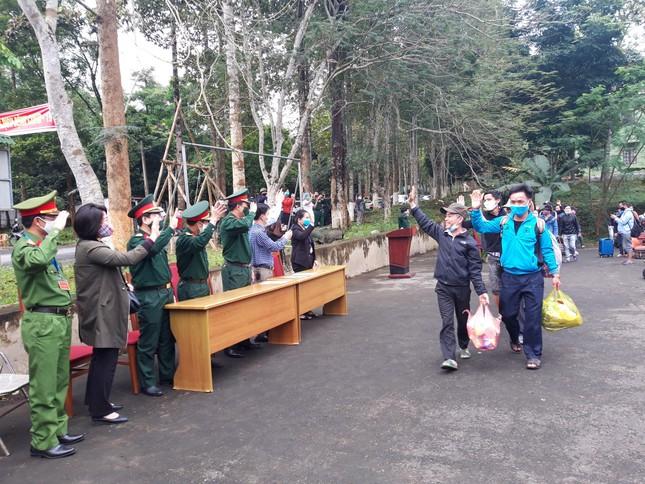 Hành động tri ân đặc biệt của những công dân cách ly tại miền núi Nghệ An ảnh 7