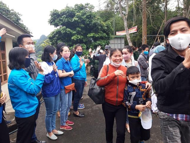 Hành động tri ân đặc biệt của những công dân cách ly tại miền núi Nghệ An ảnh 11