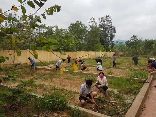 Hành động tri ân đặc biệt của những công dân cách ly tại miền núi Nghệ An ảnh 5