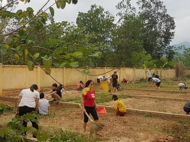 Hành động tri ân đặc biệt của những công dân cách ly tại miền núi Nghệ An ảnh 4