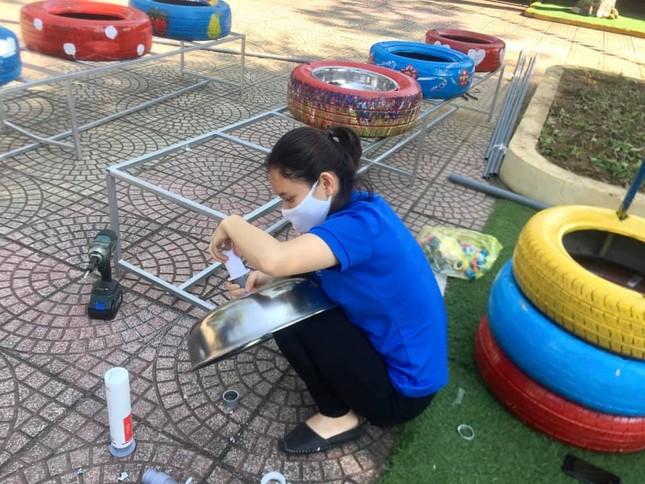 Bồn nước rửa tay được tái chế từ lốp xe cũ ảnh 2
