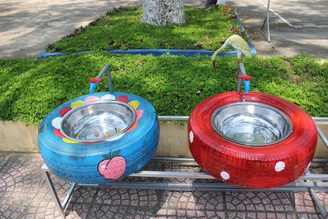 Bồn nước rửa tay được tái chế từ lốp xe cũ ảnh 7