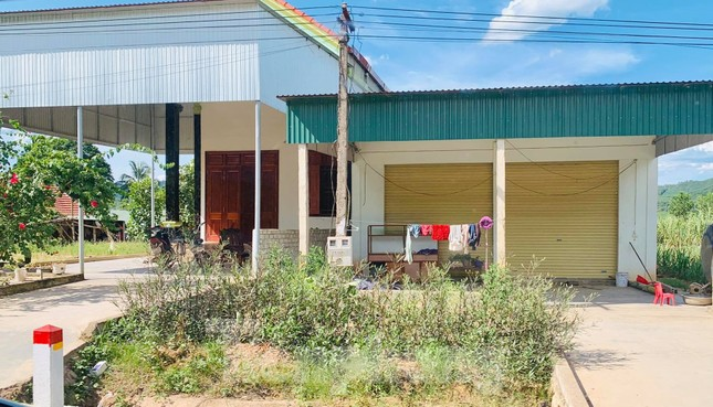 Những ngôi nhà của hộ dân 'bỗng dưng' thoát nghèo sau khi nhận hỗ trợ COVID-19 ảnh 2