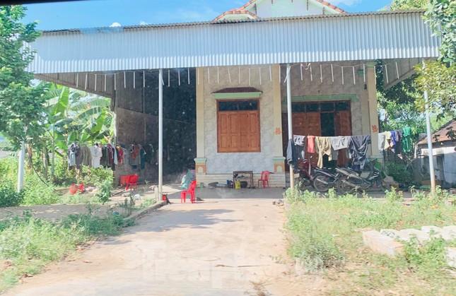 Những ngôi nhà của hộ dân 'bỗng dưng' thoát nghèo sau khi nhận hỗ trợ COVID-19 ảnh 4