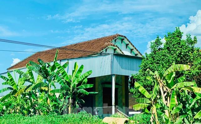 Những ngôi nhà của hộ dân 'bỗng dưng' thoát nghèo sau khi nhận hỗ trợ COVID-19 ảnh 7