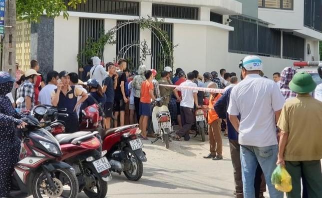 Người phụ nữ ở Nghệ An bị đâm tử vong giữa đường ảnh 1