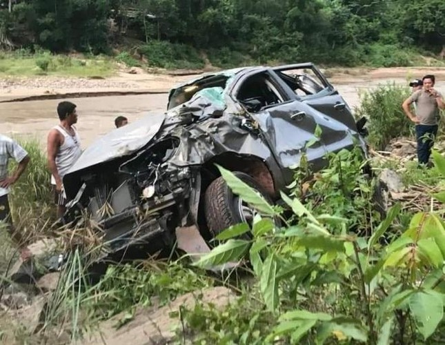 Thông tin mới vụ ô tô lao xuống vực khiến 3 giáo viên thương vong ảnh 1