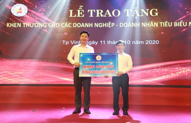 Khen thưởng các doanh nghiệp, doanh nhân tiêu biểu Nghệ An năm 2020 ảnh 6