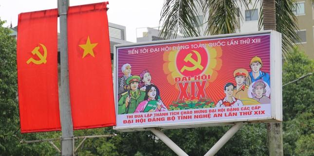 Nghệ An rực rỡ cờ hoa chào mừng Đại hội Đảng bộ tỉnh ảnh 6