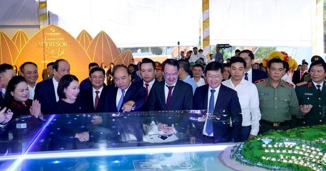 Thủ tướng Nguyễn Xuân Phúc làm việc với tỉnh Nghệ An và Quân khu 4 ảnh 4