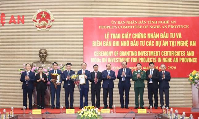 Thủ tướng Nguyễn Xuân Phúc làm việc với tỉnh Nghệ An và Quân khu 4 ảnh 3