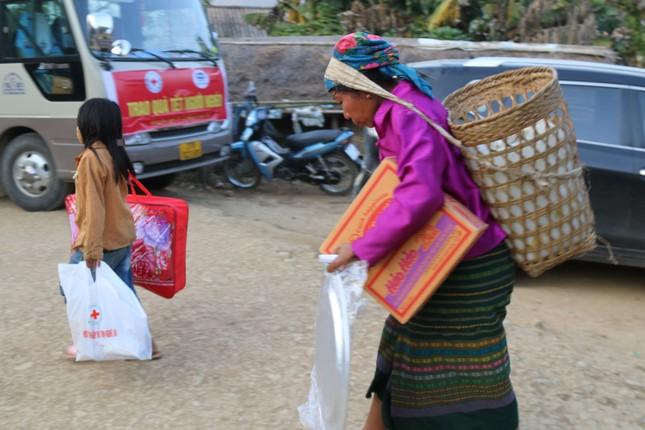 Mang Tết ấm đến với người nghèo ở miền Tây xứ Nghệ ảnh 6
