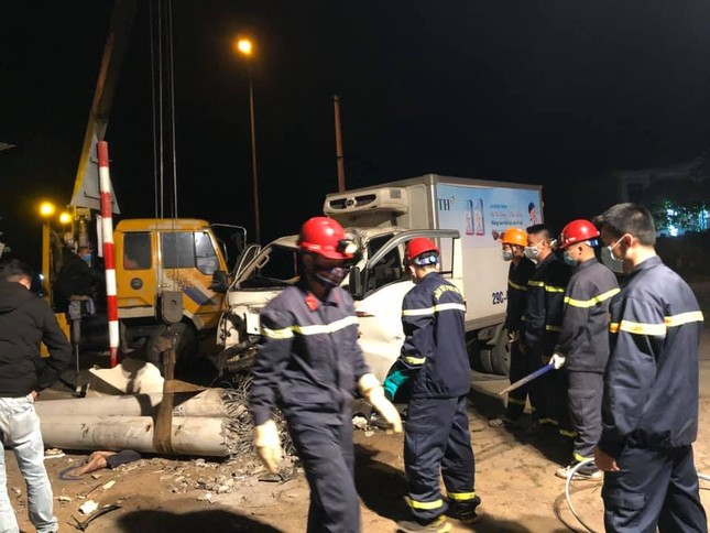 Tai nạn kinh hoàng trong đêm, ba người tử vong ảnh 1