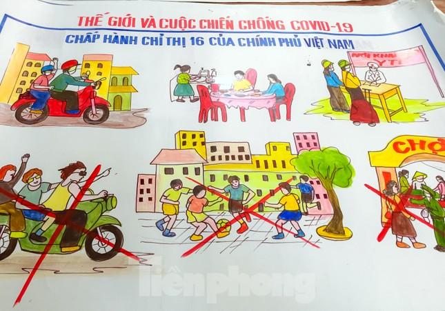 'Thế giới và cuộc chiến chống COVID-19' trên nét vẽ của bộ đội biên phòng ảnh 4