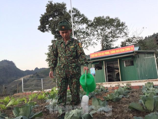 Lính biên phòng viết đơn xin trực Tết nơi biên cương Tổ quốc ảnh 2