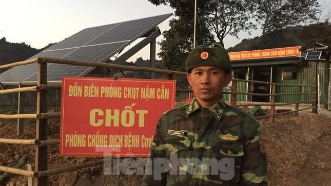 Lính biên phòng viết đơn xin trực Tết nơi biên cương Tổ quốc ảnh 1