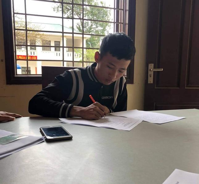 2 thiếu niên khoe 'chiến tích' bốc đầu, lạng lách giữa phố lên mạng xã hội ảnh 2